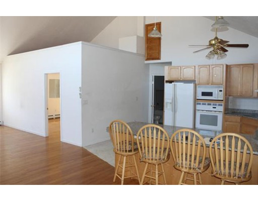 Квартира для того Аренда на 11 Peterson #2 11 Peterson #2 Easton, Массачусетс 02375 Соединенные Штаты