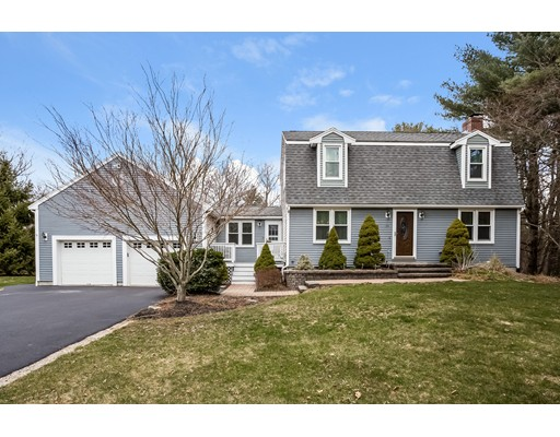 Casa Unifamiliar por un Venta en 35 Deer Run Drive 35 Deer Run Drive East Bridgewater, Massachusetts 02333 Estados Unidos