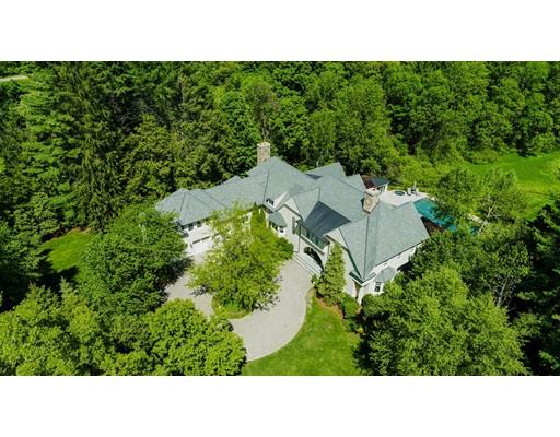 واحد منزل الأسرة للـ Sale في 445 Concord Road 445 Concord Road Weston, Massachusetts 02493 United States