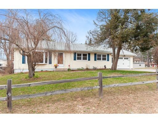 独户住宅 为 销售 在 23 Cottonwood Drive 23 Cottonwood Drive Hudson, 新罕布什尔州 03051 美国