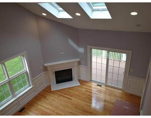 واحد منزل الأسرة للـ Rent في 18 Grey Oaks Circle 18 Grey Oaks Circle Lexington, Massachusetts 02421 United States