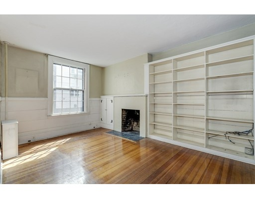 3 Rollins Place, Boston, MA, 02114