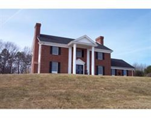 Частный односемейный дом для того Продажа на 76 Kittery Avenue 76 Kittery Avenue Rowley, Массачусетс 01969 Соединенные Штаты