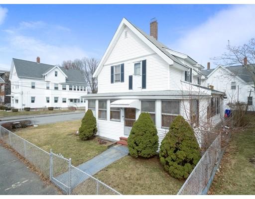 Maison unifamiliale pour l à louer à 28 Lawrence 28 Lawrence Taunton, Massachusetts 02780 États-Unis