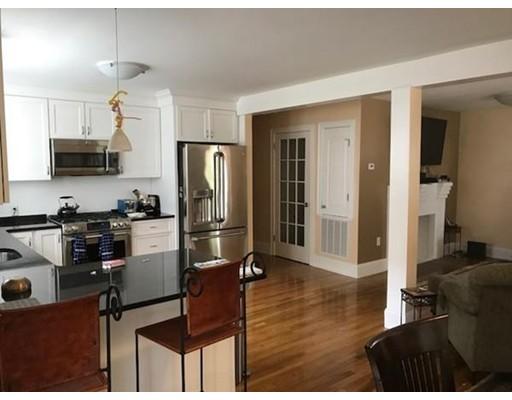 Apartamento por un Alquiler en 16 Bonwood St #1 16 Bonwood St #1 Newton, Massachusetts 02460 Estados Unidos