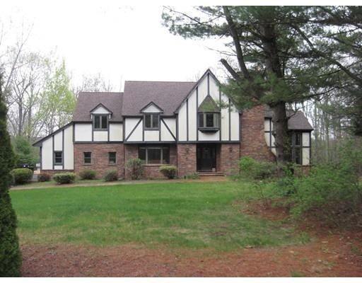 Частный односемейный дом для того Продажа на 139 N. Washington Street 139 N. Washington Street Belchertown, Массачусетс 01007 Соединенные Штаты