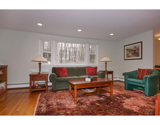 224 Woodridge Rd, Carlisle, MA, 01741