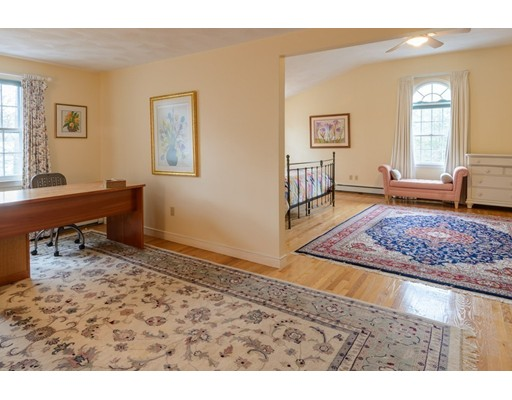 33 Chestnut Street, Wellesley, MA, 02481
