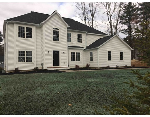 Maison unifamiliale pour l Vente à 135 Foster Street 135 Foster Street Littleton, Massachusetts 01460 États-Unis
