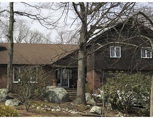 Maison unifamiliale pour l Vente à 11 Jones 11 Jones Saugus, Massachusetts 01906 États-Unis