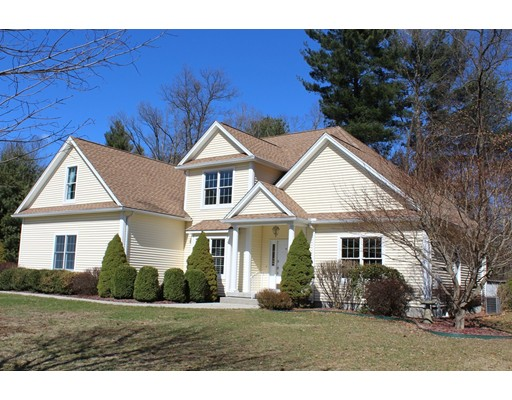 Maison unifamiliale pour l Vente à 16 Bellows Road 16 Bellows Road Wilbraham, Massachusetts 01095 États-Unis