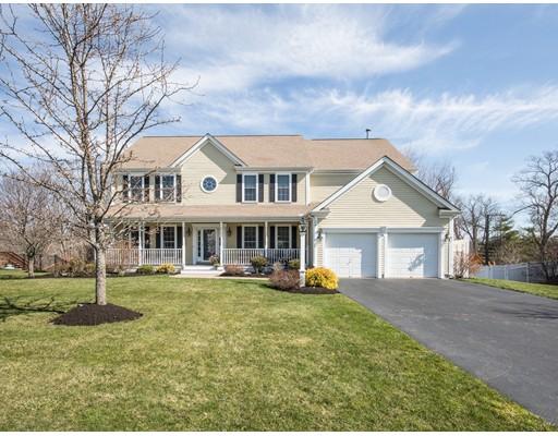 Частный односемейный дом для того Продажа на 24 Robin Hill Road 24 Robin Hill Road Danvers, Массачусетс 01923 Соединенные Штаты