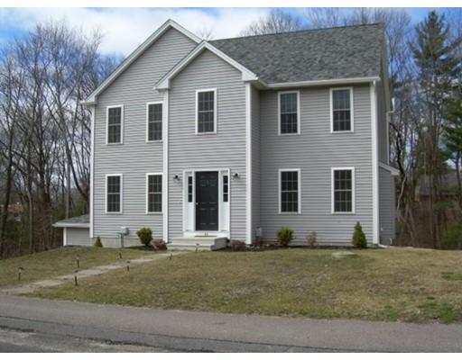 Maison unifamiliale pour l Vente à 40 Norwood Avenue 40 Norwood Avenue Ayer, Massachusetts 01432 États-Unis