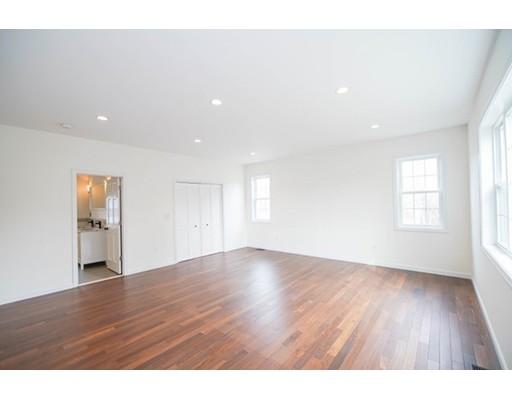 واحد منزل الأسرة للـ Sale في 45 Birch Street 45 Birch Street Braintree, Massachusetts 02184 United States