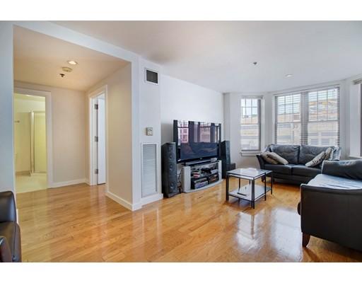 Andelslägenhet för Försäljning vid 534 Commonwealth Avenue 534 Commonwealth Avenue Boston, Massachusetts 02215 Usa