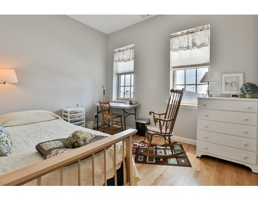 19 Pleasant St 402, Newburyport, MA, 01950