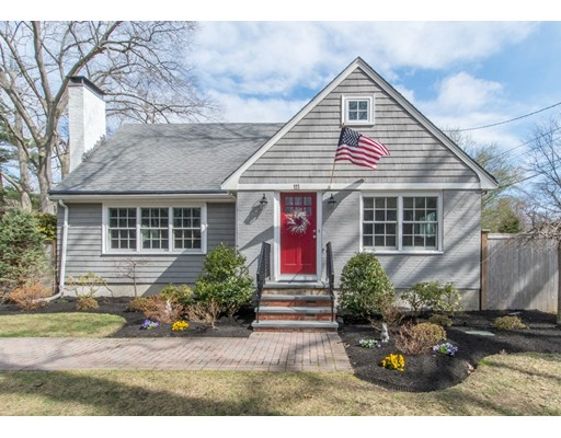 111 Oak Street, Needham, MA 02492
