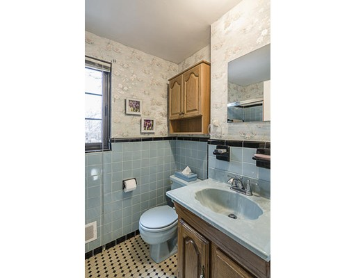Picture 10 of 36 Duff St Unit 36 Watertown Ma 2 Bedroom Condo