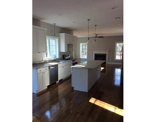 24 Meredith Way, Sturbridge, MA, 01518