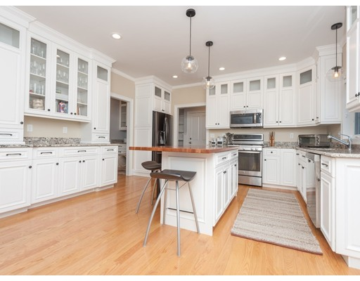 Picture 2 of 811 East St  Dedham Ma 4 Bedroom Single Family