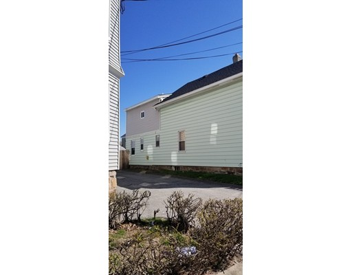 86 Andover St, Lawrence, MA, 01843