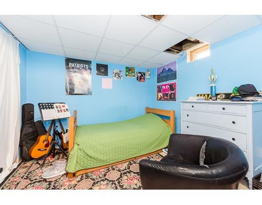 8 Cedar St, Amesbury, MA, 01913