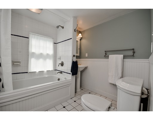 711 Webster St, Needham, MA, 02492
