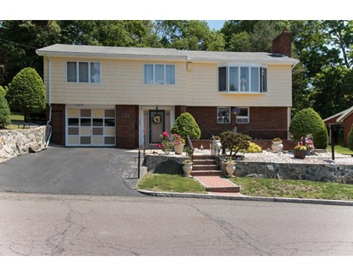 200 Woodcrest Dr, Melrose, MA, 02176