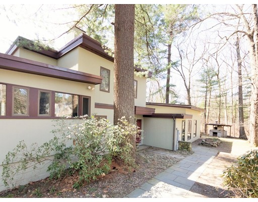 62  Beaver Pond Road,  Lincoln, MA