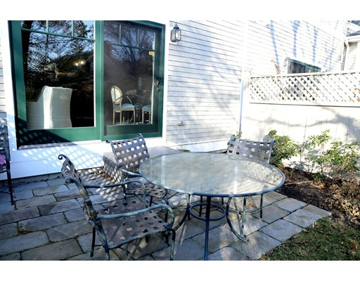45 Courtyard Pl 45, Lexington, MA, 02420
