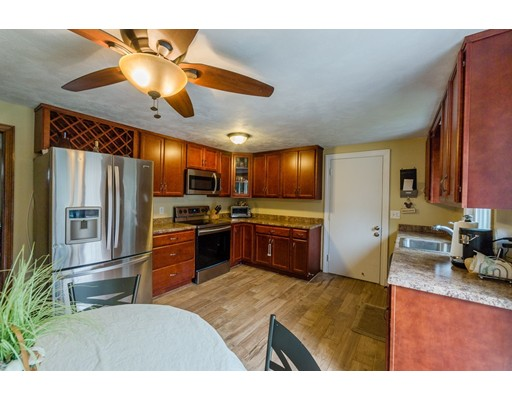 258 Poquanticut Ave, Easton, MA, 02356