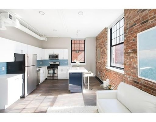 6 Hamilton Pl, Boston, MA 02108