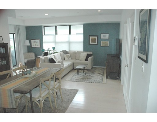 345 D St, Boston, MA 02127