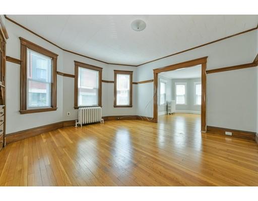 Picture 2 of 11 Parkton Rd Unit 1 Boston Ma 2 Bedroom Condo