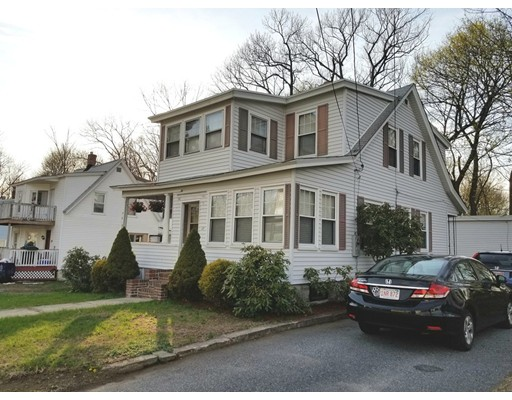 Picture 4 of 17 Griggs St  Dracut Ma 3 Bedroom Single Family