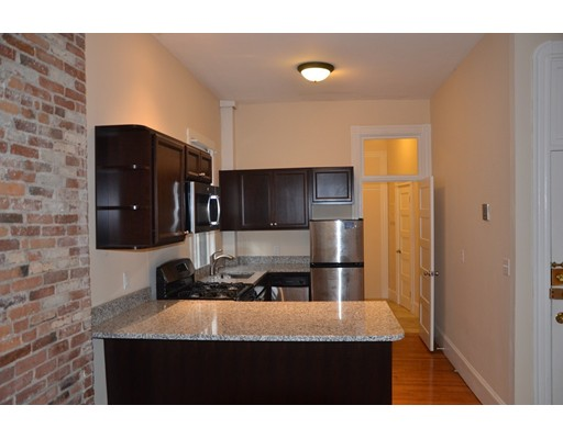 73 Revere St, Boston, MA 02114