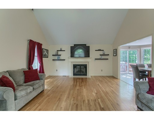 Picture 11 of 460 Methuen Rd  Dracut Ma 3 Bedroom Single Family