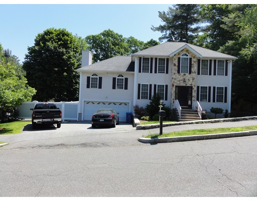 Picture 1 of 4 Partridge Ln  Wakefield Ma  3 Bedroom Single Family