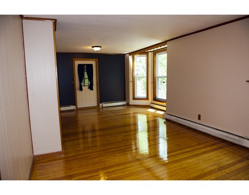 Picture 5 of 35 19th  Haverhill Ma 4 Bedroom Single Family