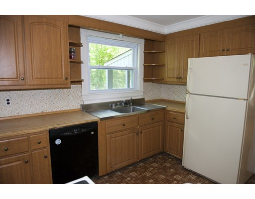 Picture 9 of 35 19th  Haverhill Ma 4 Bedroom Single Family