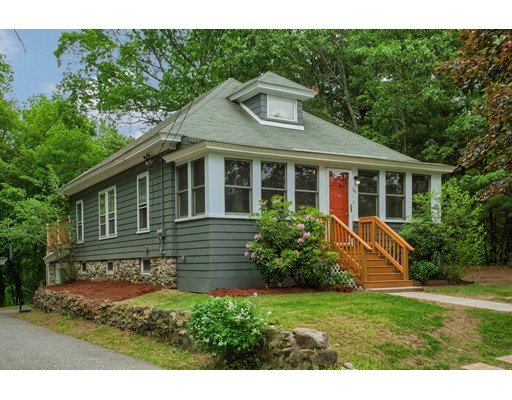 Picture 2 of 44 Lyndale Ave  Methuen Ma 3 Bedroom Single Family