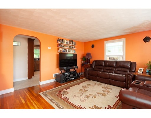 Picture 4 of 11 Elm St  Medford Ma 4 Bedroom Single Family