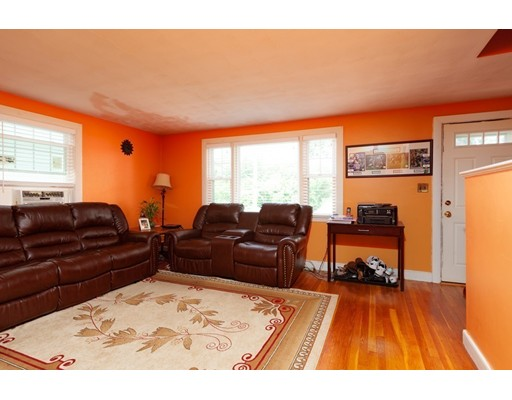 Picture 5 of 11 Elm St  Medford Ma 4 Bedroom Single Family
