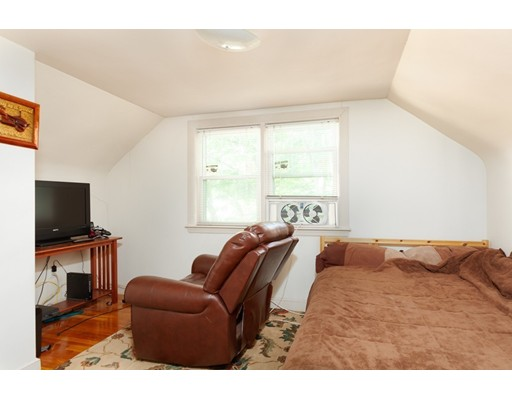 Picture 12 of 11 Elm St  Medford Ma 4 Bedroom Single Family