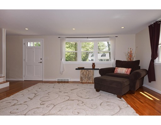 Picture 13 of 90 Mill St  Burlington Ma 3 Bedroom Single Family