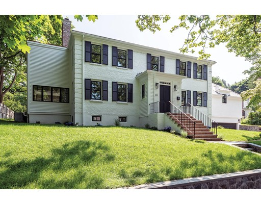 Picture 4 of 119 Walnut Hill Rd  Brookline Ma 5 Bedroom Single Family