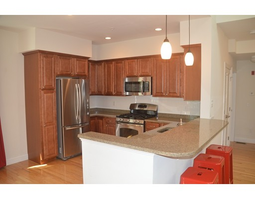 Picture 2 of 805 Highland Ave Unit 5 Needham Ma 3 Bedroom Condo