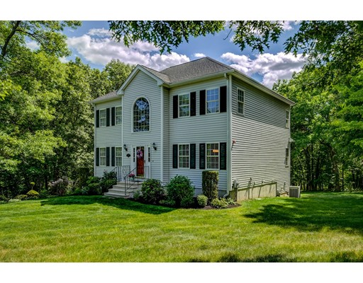Picture 2 of 26 Scotland Heights  Haverhill Ma 3 Bedroom Single Family