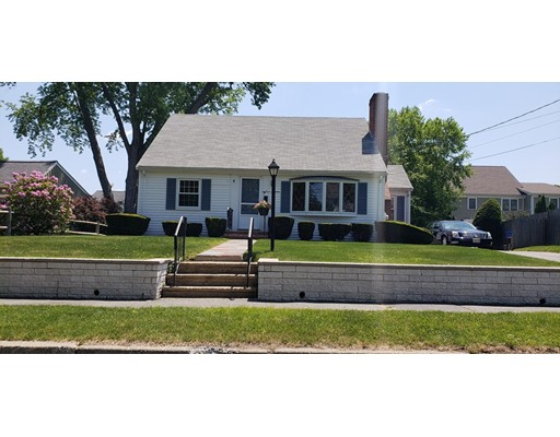 Picture 6 of 75 Ellery Rd  Waltham Ma 4 Bedroom Single Family