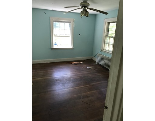 Picture 3 of 26 Hackensack Rd  Brookline Ma 3 Bedroom Single Family